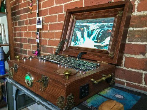 Steampunk Raspberry Pi laptop